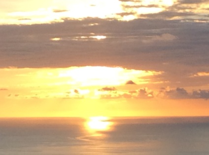How the Sun kisses the Ocean...